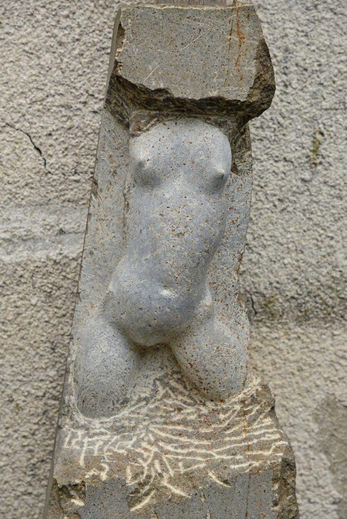 Torso, Muschelkalk, 54 x 22 x 10 cm