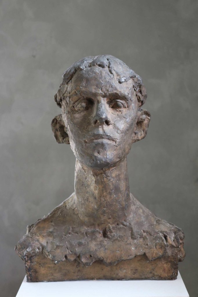 Helga, Bronze, 46 x 34 x 27 cm