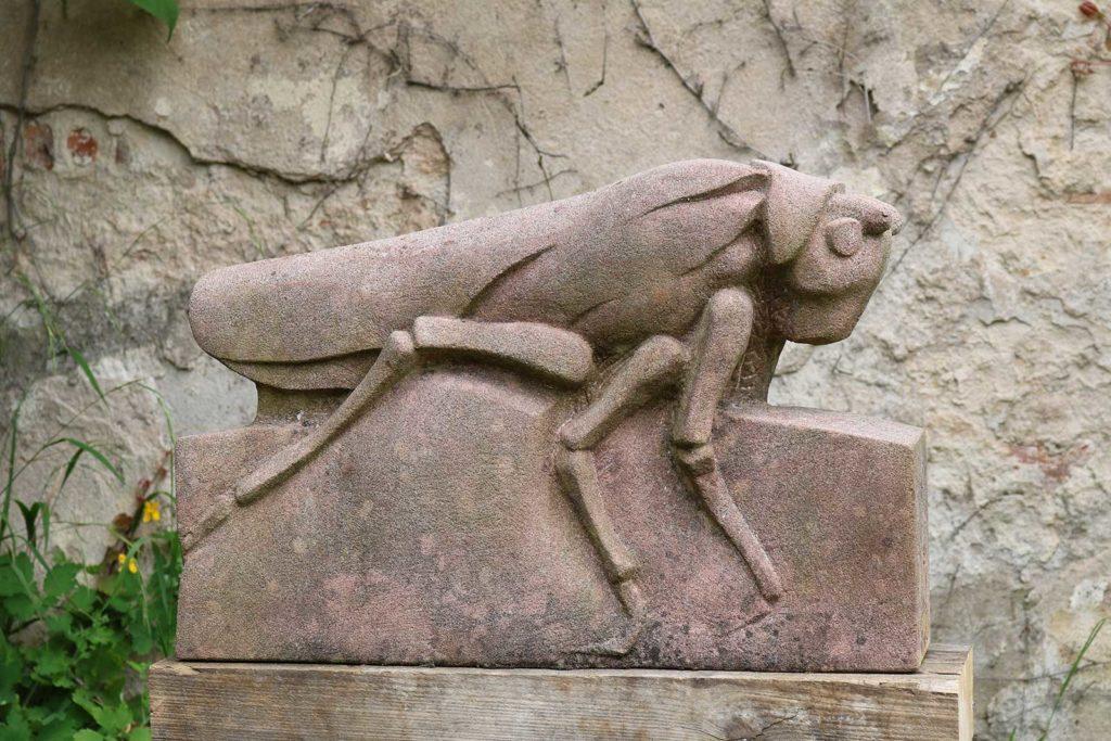 Heuschrecke, Sandstein, 37 x 55 x 13 cm