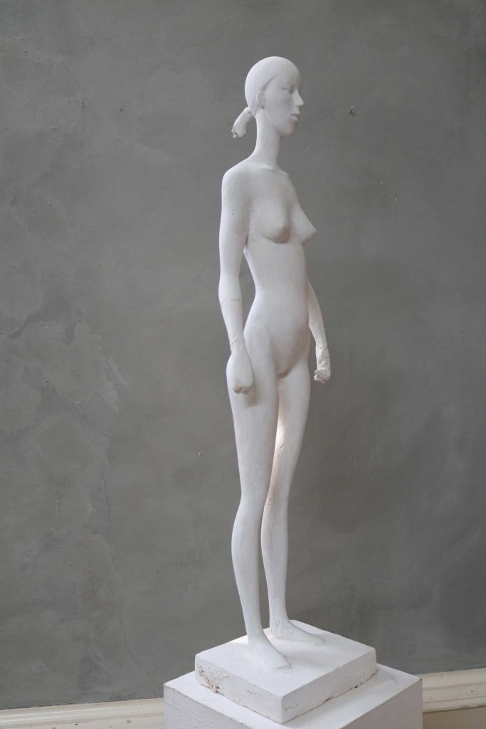 Anastasia, Gips, 74 x 19,5 x 14 cm
